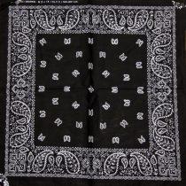 Fekete mintás kendő