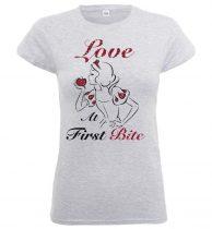 Princess Snow White - LOVE AT FIRST BITE  női póló